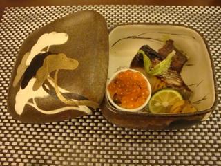 鰆と牛蒡のほりかわ寄せとイクラ寿司