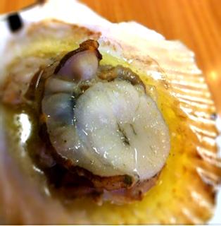 殻付き生帆立バター焼き