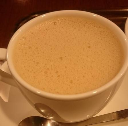 黒糖ミルクコーヒーとミックスサンド