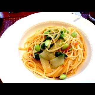 枝豆と青菜のオイルパスタ
