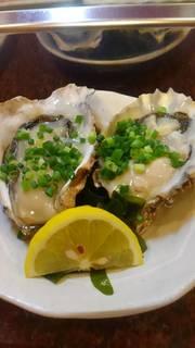 殻つき真牡蠣