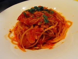 サルシッチャと玉葱のトマトソース