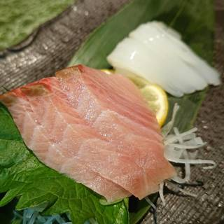お造り 旬の鮮魚二点盛