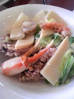 海鮮と春野菜の彩りあんかけおこげ~黒米入り~