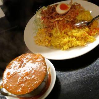 赤い鶏カレー