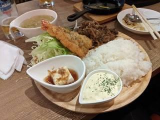 開きエビフライ&牛焼肉