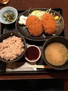 牛肉コロッケ定食