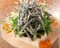 島豆冨とちりめんきびなごのサラダ