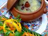 松茸とキヌガサダケの薬膳気鍋料理