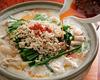 若鶏の白湯スープのラー油鍋