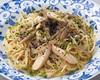 きんぴらごぼうと蒸し鶏の黒胡麻風味の和風バターソース