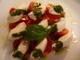 水牛のモッツァレラチーズと完熟トマトのカプリ風