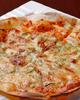 自家製ベーコンの手作りピザ