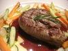 牛ヒレ肉のステーキ 赤ワインソース