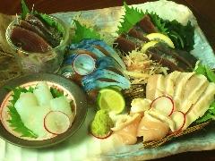 新鮮鮮魚と川俣軍鶏の刺身7点盛り