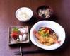 お刺身と本日のおすすめ煮物御膳
