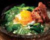 牛しぐれ石焼きニラ玉飯