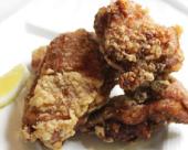 鶏のジャンボ唐揚げ